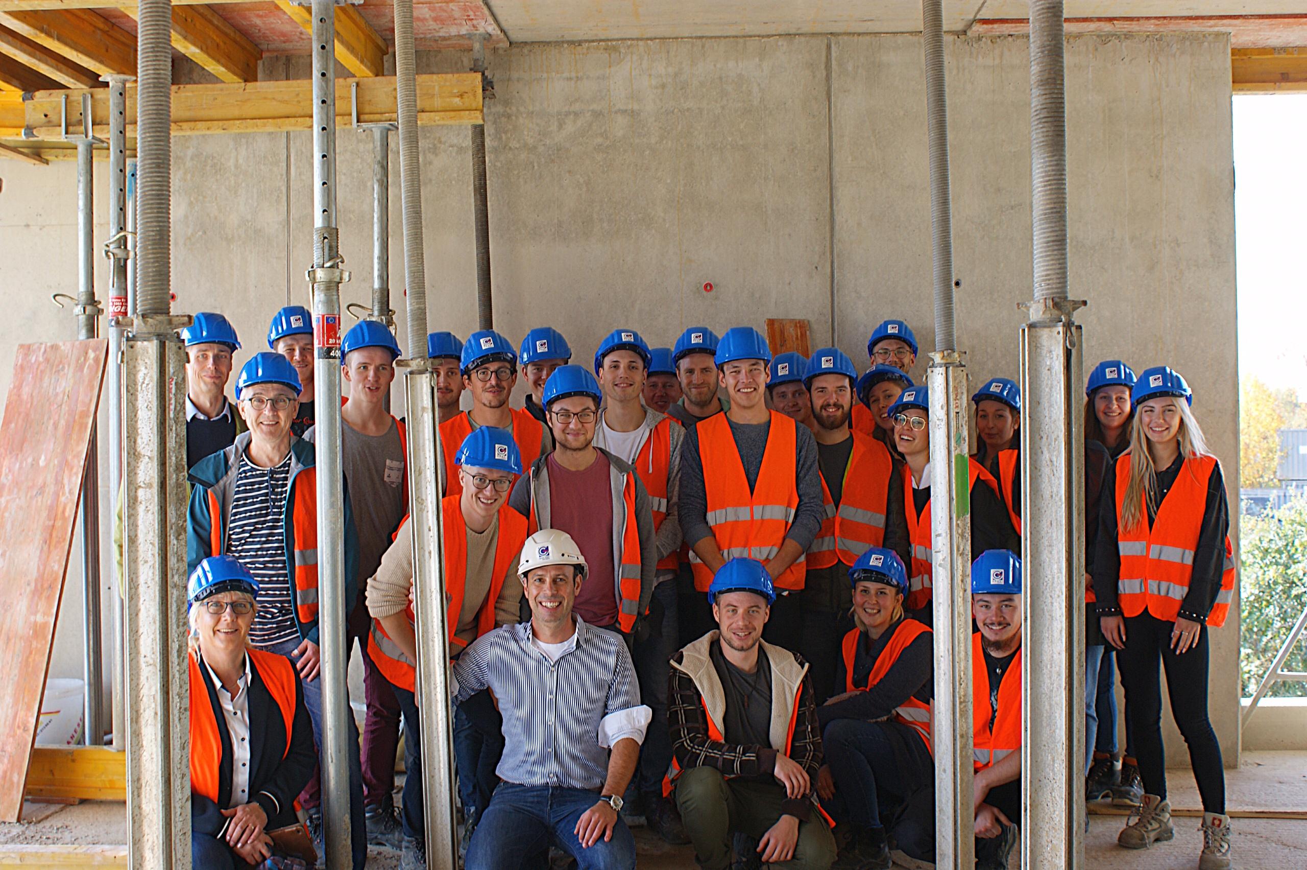 Gruppenfoto B3- Baustelle Verwaltungsgebäude Rimpar