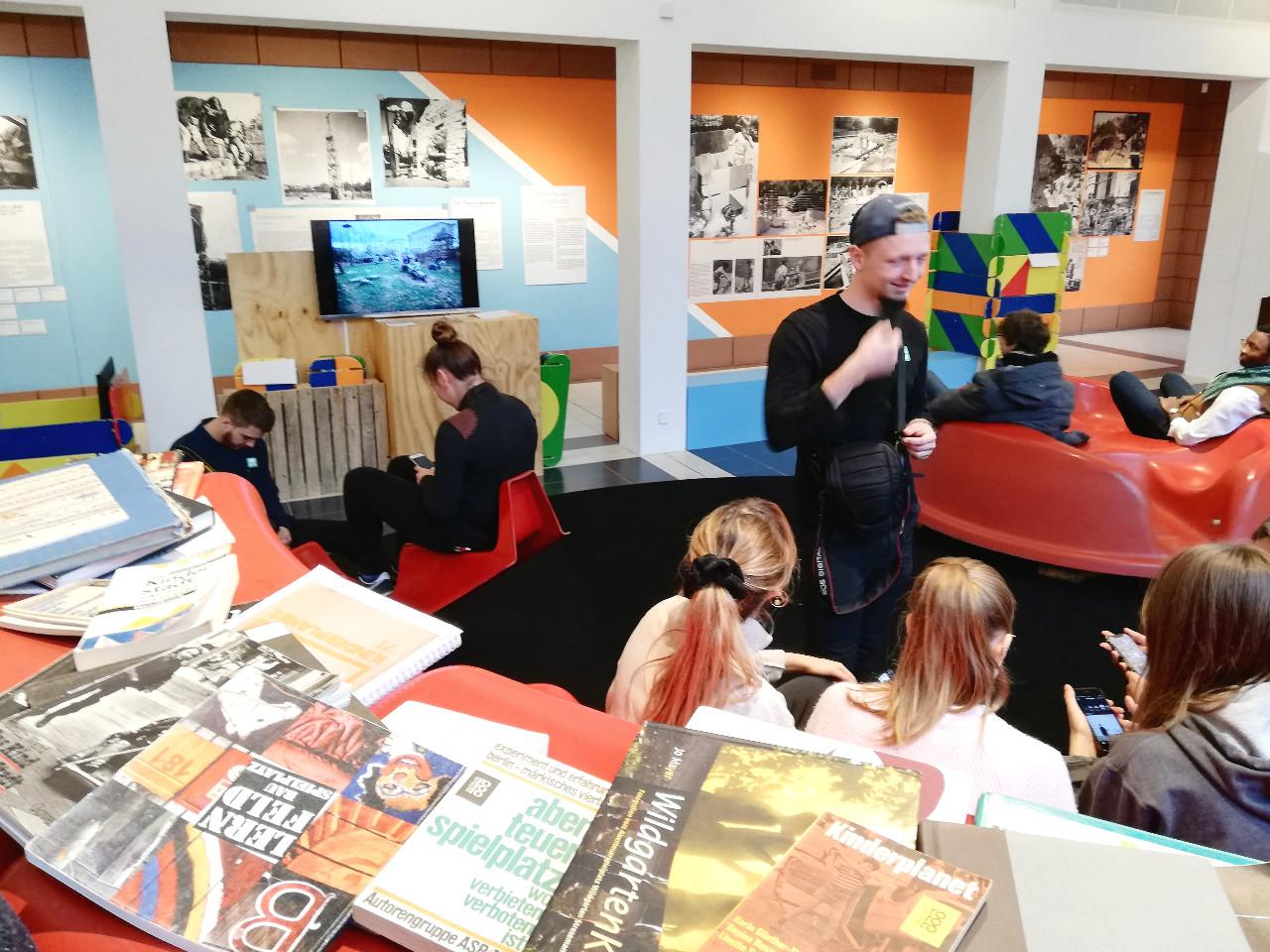 Spaß im Spielbereich des Deutschen Architekturmuseums